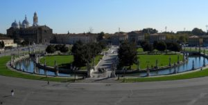 1682182_prato_della_valle_blivin-300x152 Cosa vedere a Padova